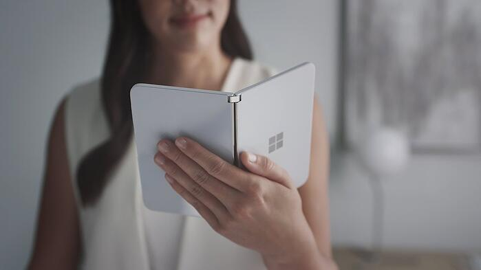 Microsoft_Surface_Duo_foldable_device