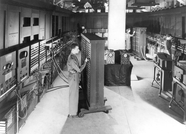 Classic_shot_of_the_ENIAC